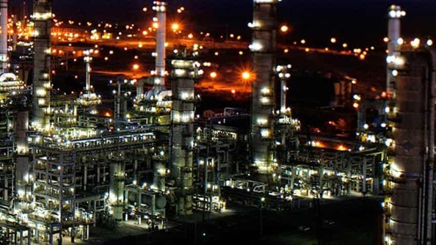 8 injured in flash fire at Reliance Jamnagar refinery