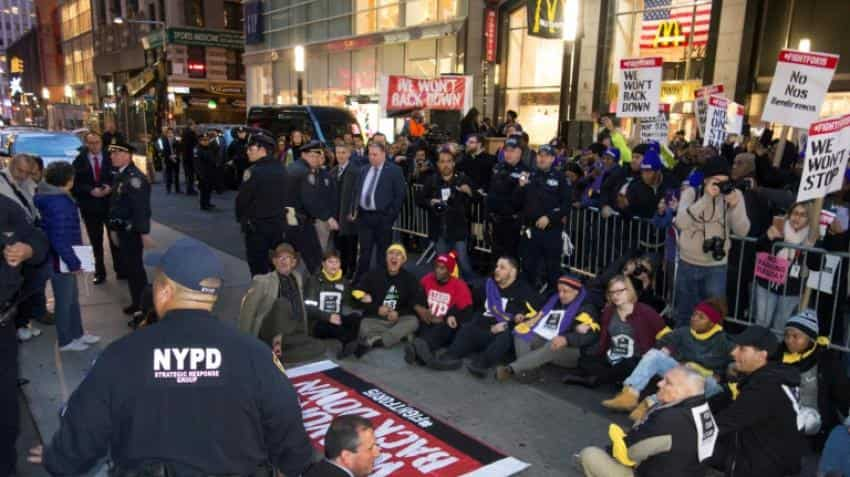 US fast-food workers lead day of protest for $15 per hour