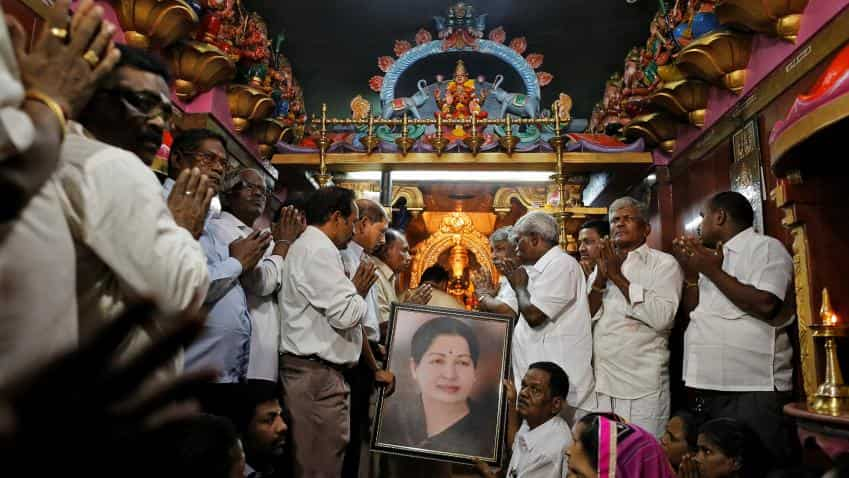 Amma dies, Chennai shuts down all ops