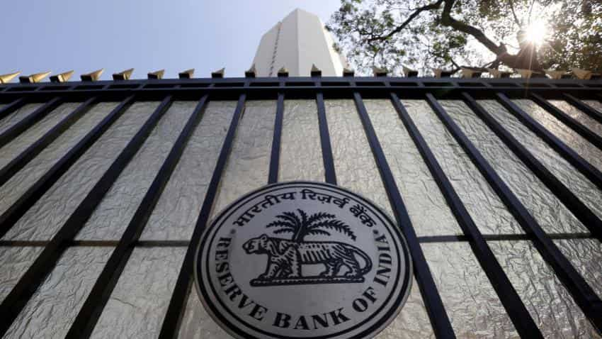 Digital currency push: Nearly 13% of all complaints RBI received were 'card' related