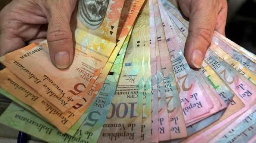 Venezuela's Maduro orders 100-unit banknotes out of circulation