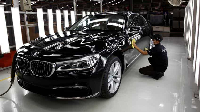 BMW to have petrol options for all cars; rolls out new model