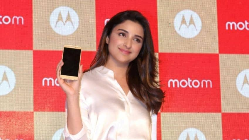 Moto Zs start getting Android Nougat 7.0 update in India
