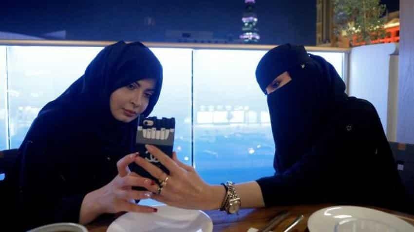 Saudi embrace of ride-hailing apps drives economic, social change