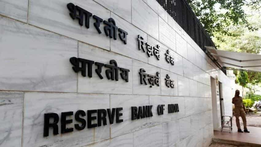 Banking stock tumbles as RBI keeps repo rate unchanged
