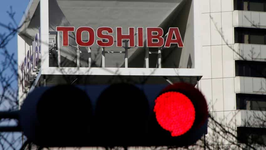Toshiba to unveil nuclear writedown as it scrambles for cash