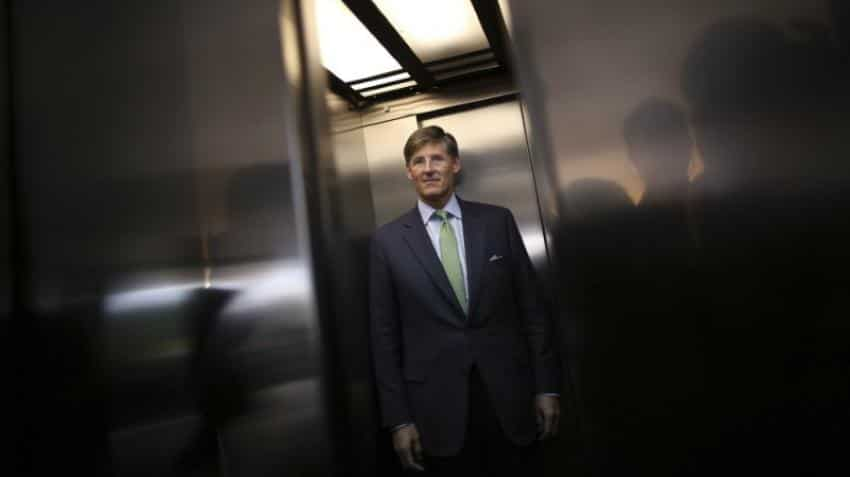 Citigroup cuts CEO Corbat's pay after missing financial targets
