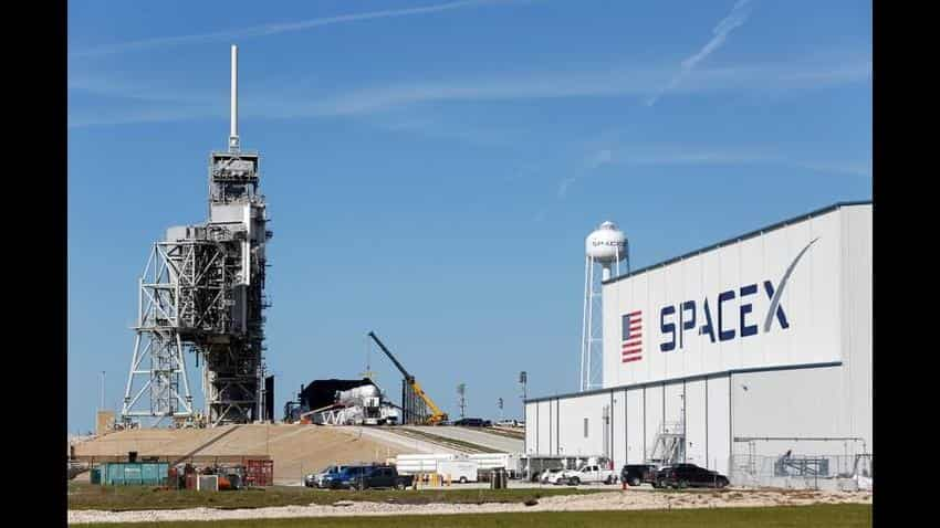 SpaceX Falcon rocket poised for flight from historic NASA launchpad