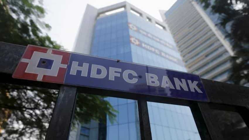 To discourage cash transactions, HDFC Bank & others begin minimum levy of Rs 150 on cash deposits & withdrawals