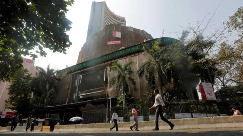 Sensex, Nifty drop amid weak global cues; RIL up 4%