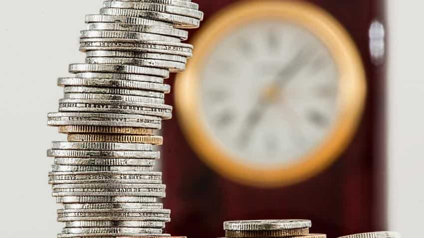 Life insurers see dip in new business premium in February