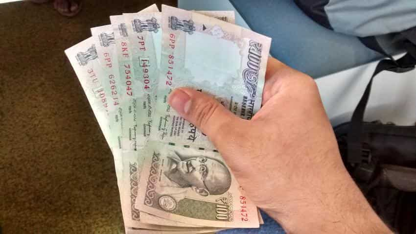 Rupee strengthens by 5 paise against dollar in early trade