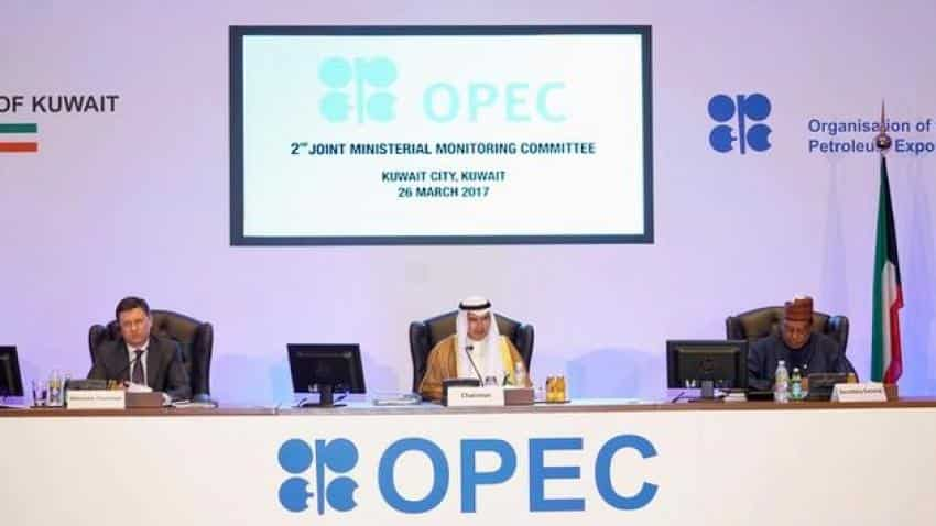 OPEC, non-OPEC committee recommends extending output cut by six months