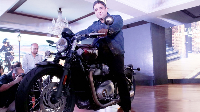 Triumph launches Bonneville Bobber in India at Rs 9.09 lakh