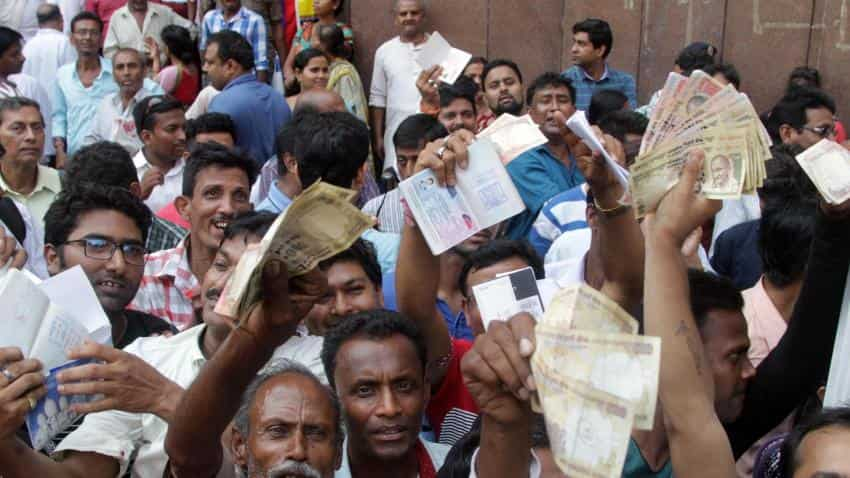 Demonetisation: RBI turns down Indians, NRIs went for exchange of old notes as deadline ends today