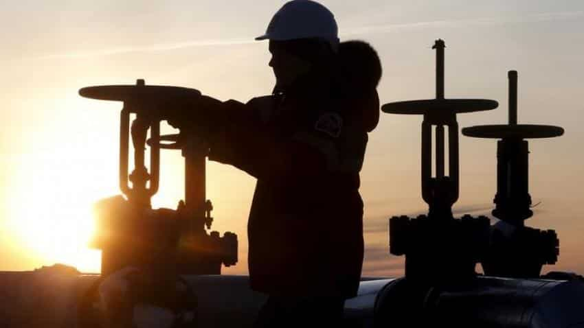Oil hits 5-week top on geopolitical tensions, strong demand
