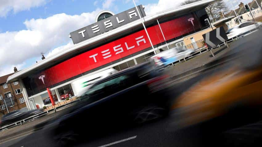 Tesla edges out GM to become most valuable US carmaker