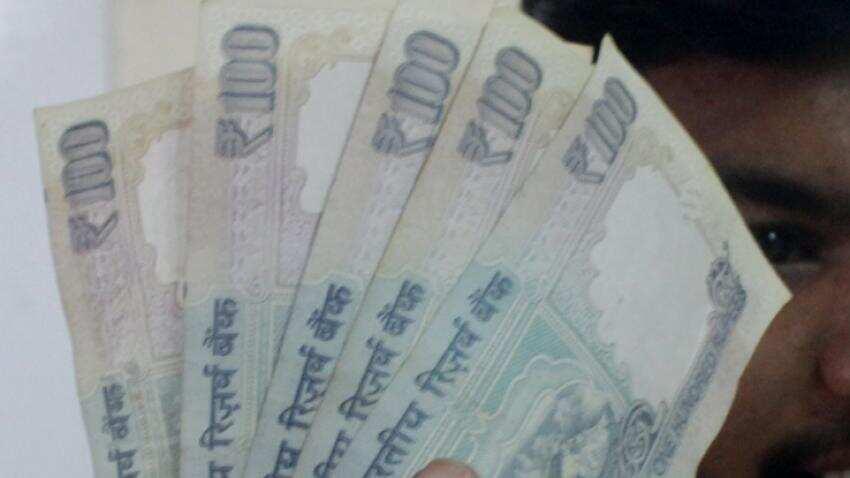 Withdrawal trend reverses in Jan Dhan accounts; deposits up Rs 1000 crore
