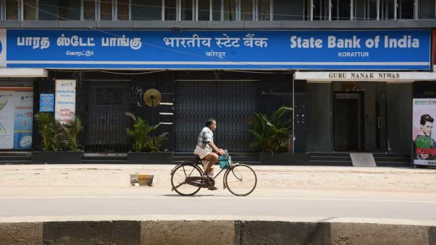 SBI clarifies: Rs 25 per ATM charge only for State Bank Buddy Customers; see other changes
