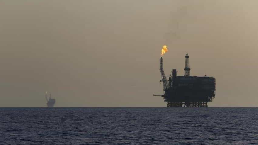 Oil falls as rising Libyan, U.S. output undermines cuts