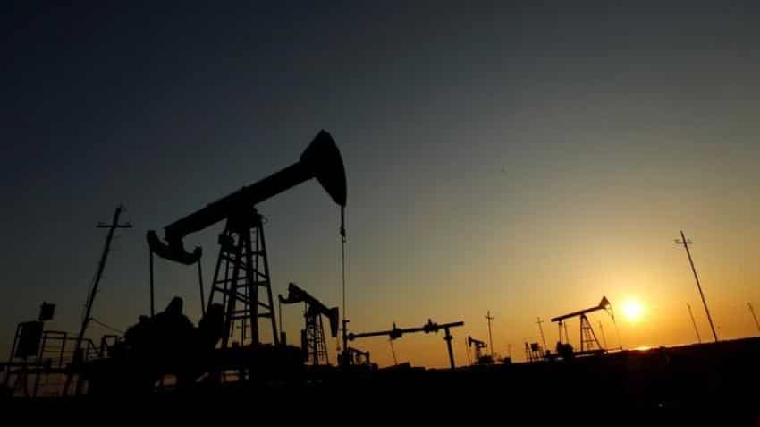 Oil prices struggle on doubts OPEC can rein in oversupply