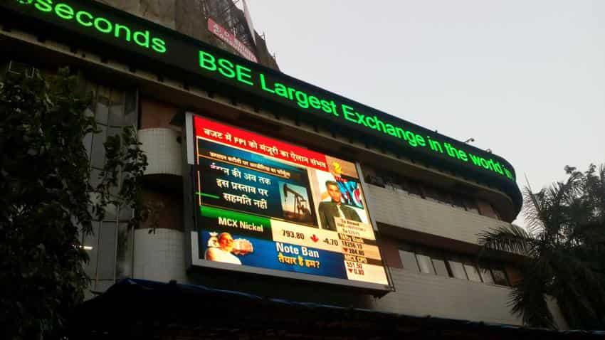 Sensex advances, blue-chips provide hope