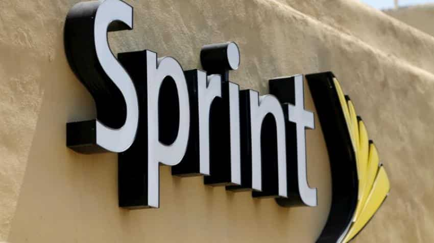 Sprint seeks alternatives to a merger with T-Mobile -sources