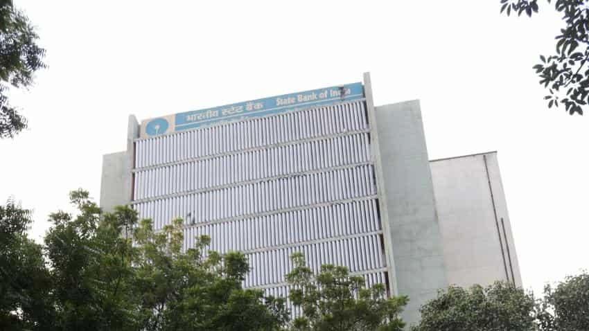 SBI slashes deposit rates for bank balances lower than Rs 1 crore