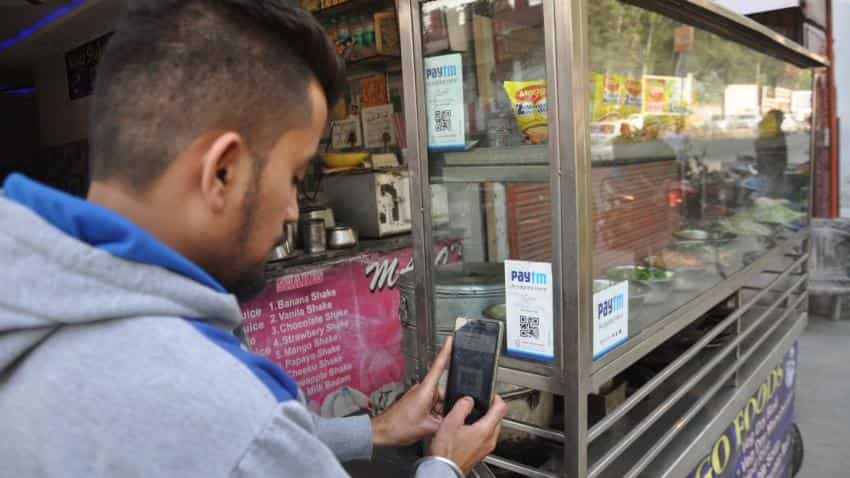 Will Paytm's launch of chat feature be enough to rival WhatsApp's entry into e-wallet biz?