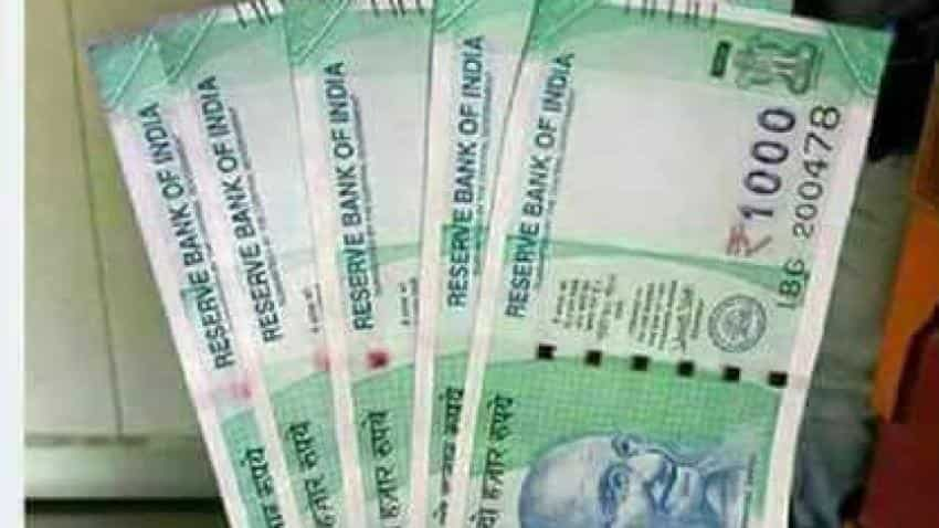 Beware! These pictures of fake Rs 1000 notes, coins are doing rounds on WhatsApp
