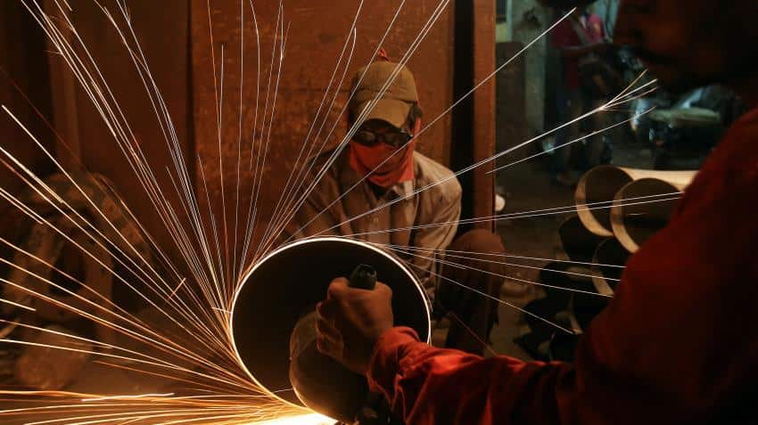 India seen posting stronger economic growth as shock from cash clampdown fades