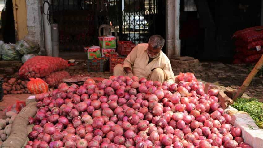 Onion traders asked to start auction or permits will be cancelled