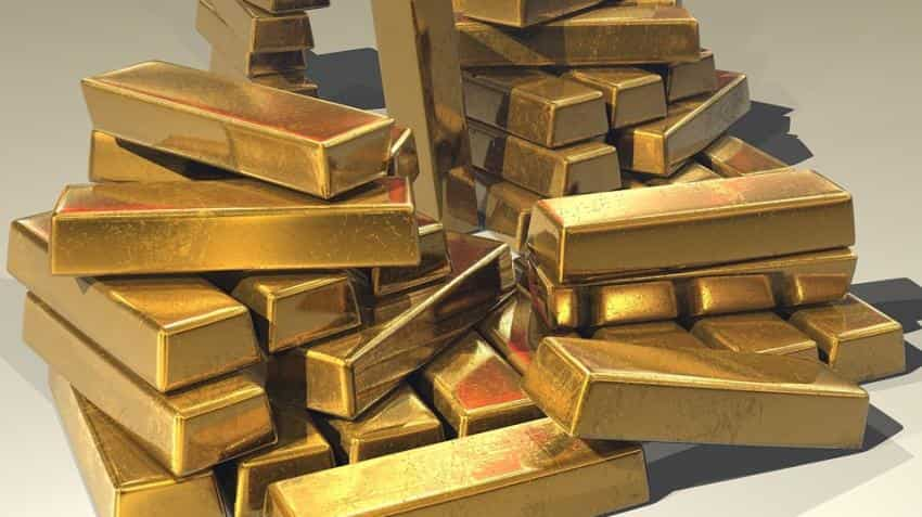 Gold prices slip as higher U.S. yields weigh on market
