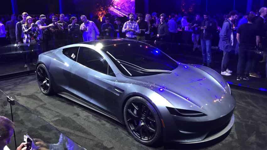 Tesla unveils electric big-rig truck, sporty Roadster