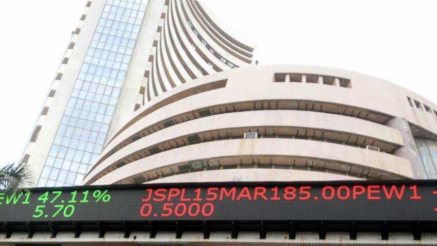 Sensex ends higher at 33,679.24, 10-year bonds slide