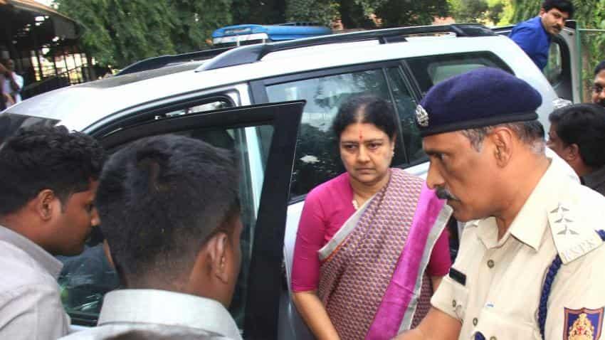 I-T sleuths raid 33 premises in Tamil Nadu