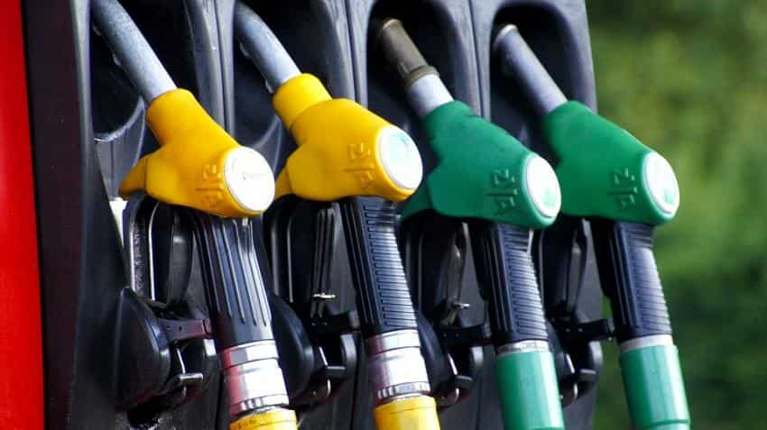Over 60,000 petrol pumps in India, 45% jump in 6 yrs
