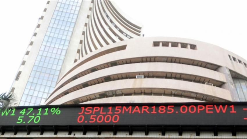 Sensex shrugs off GDP rebound, sinks 316 points