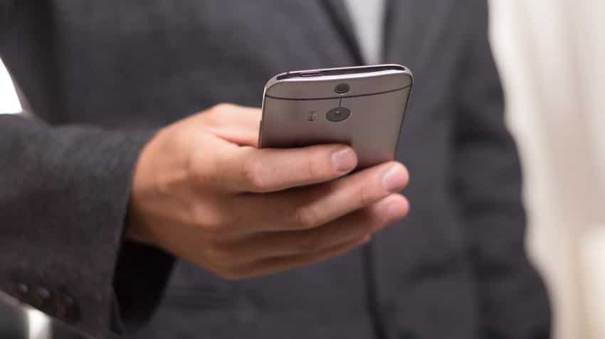 Reliance Jio, Airtel, Vodafone and IDEA offer between 1GB to 3.5 GB per day; Check them out