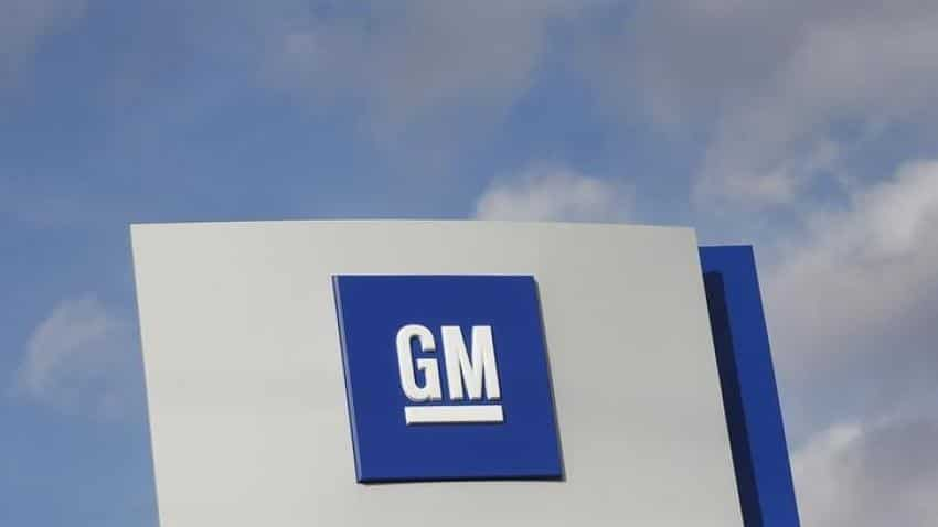 GM to equip newer cars with in-dash e-commerce technology
