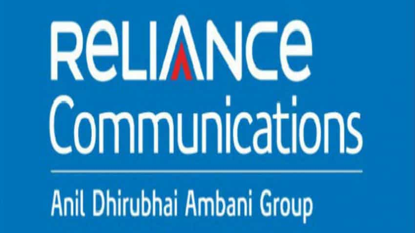 Reliance Communications dips over 2 percent as Fitch withdraws ratings