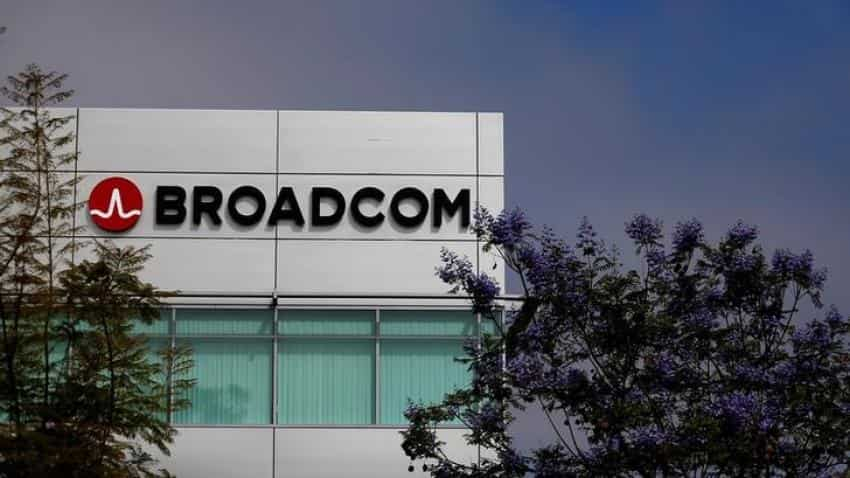 Broadcom profit beats as Qualcomm takeover fight intensifies