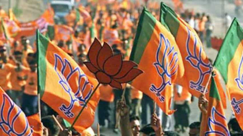 BJP pulls ahead in election in Gujarat after tight race