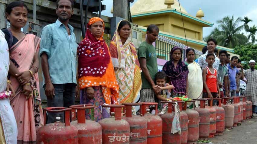 Aadhaar issue: Bharti Airtel subscribers get LPG subsidy in Payments bank account