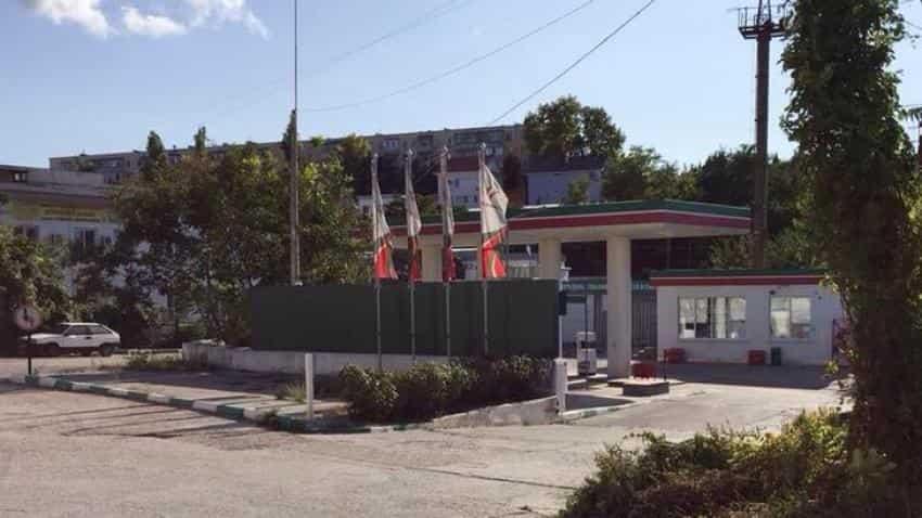 Russian oil firm Tatneft ran Crimea fuel station, despite sanctions risk