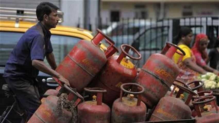 Govt takes back LPG price hike order
