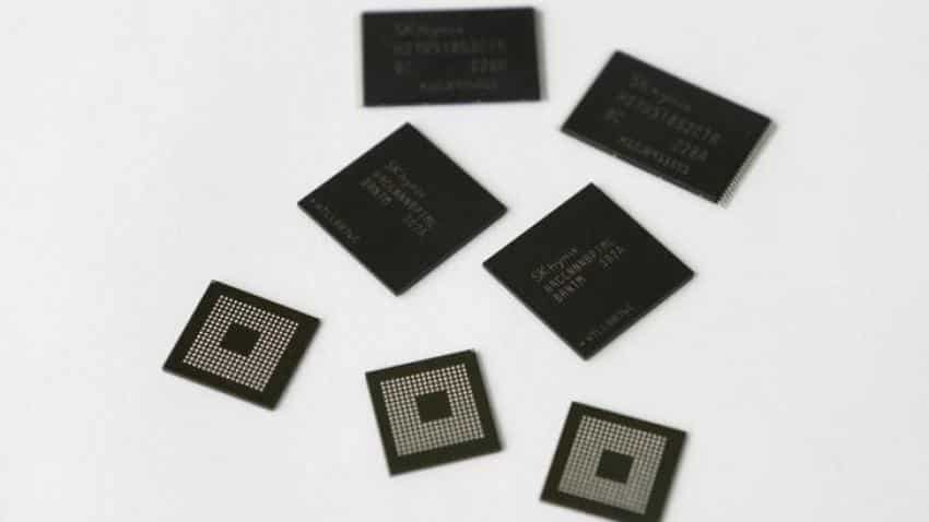 End of a chip boom? Memory chip price drop spooks investors