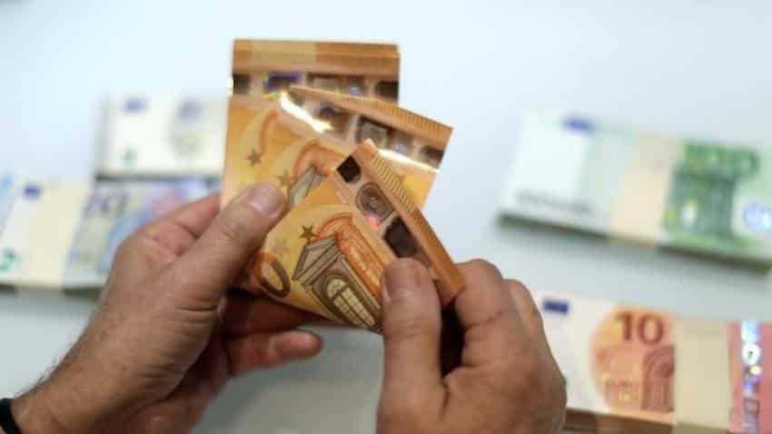 Euro zone widens trade surplus despite strong euro