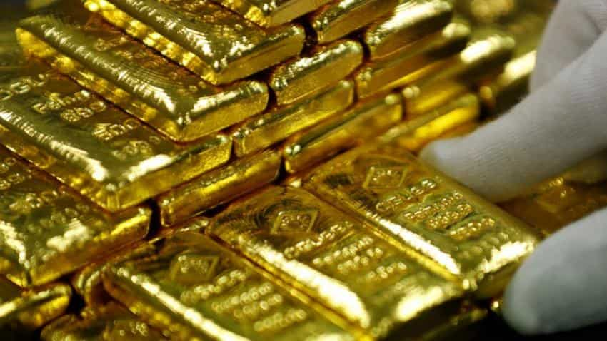 Gold falls Rs 259 in futures trade on weak global cues