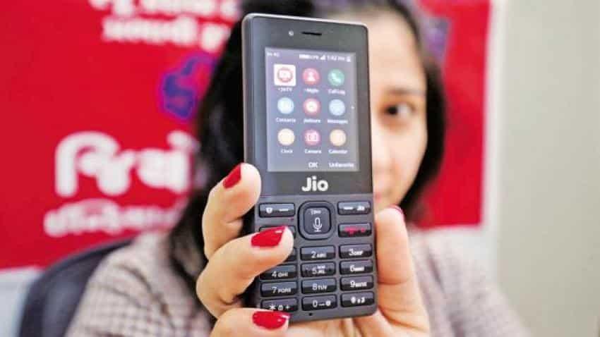 Reliance Jio to sell JioPhone on MobiKwik platform